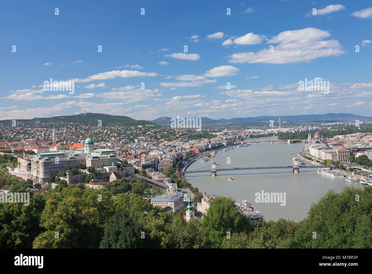 Blick vom Gellertberg, die Budaer Burg, die Donau und das Parlament, Budapest, Ungarn, Europa Stockbild