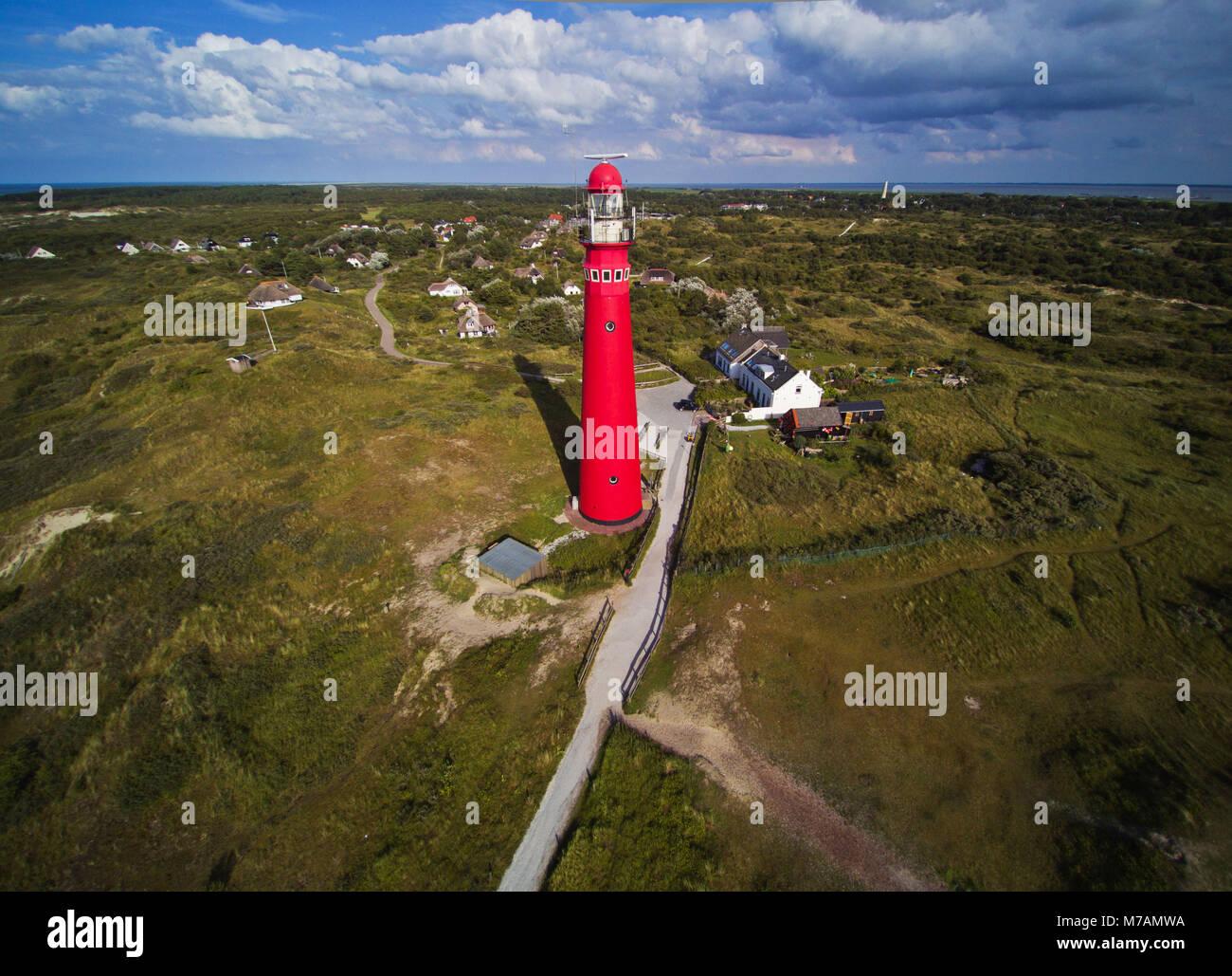 Leuchtturm auf der Insel Schiermonnikoog, Niederlande, Luftaufnahmen Stockbild