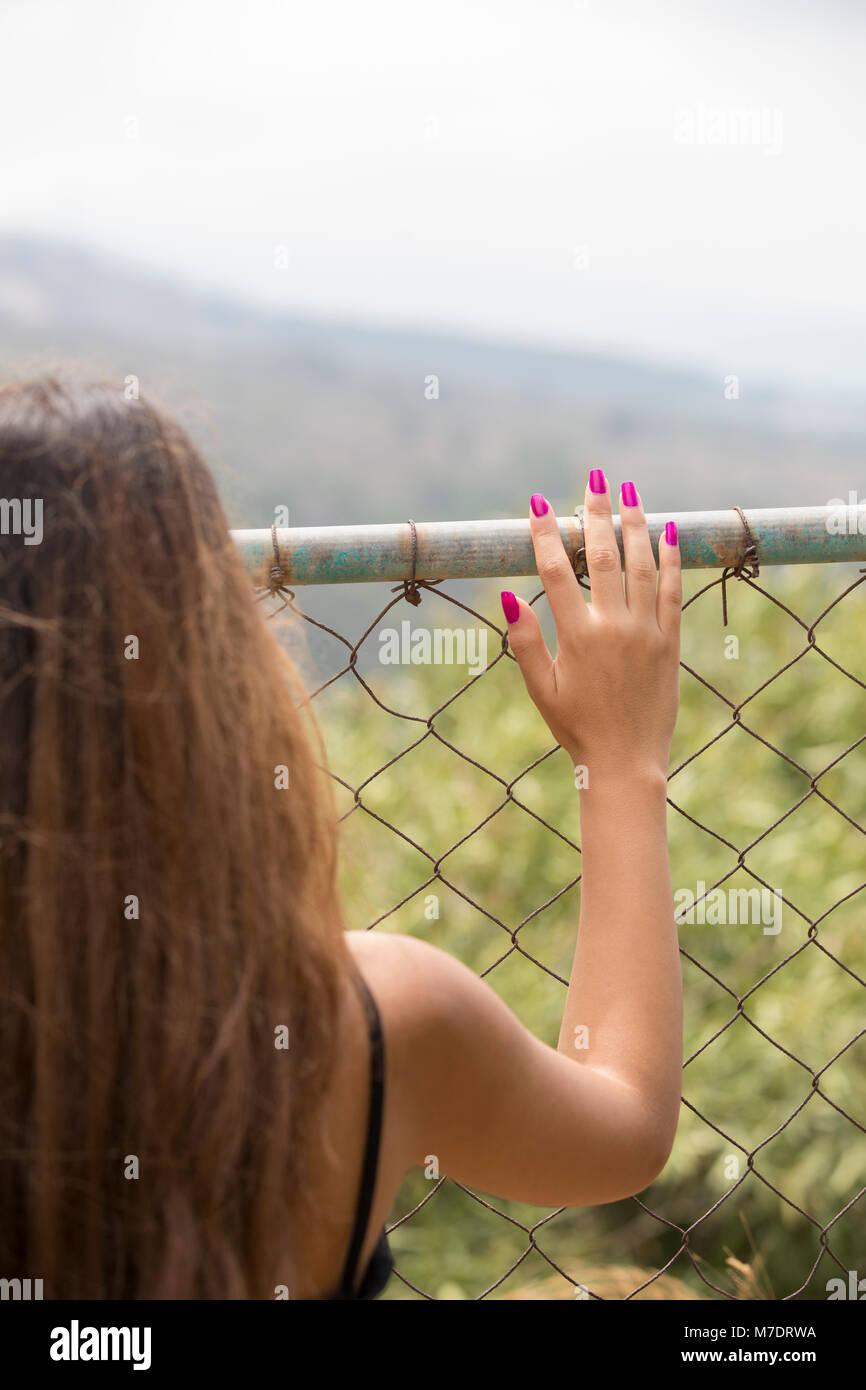 Fantastisch Hähnchen Draht Clipart Fotos - Schaltplan Serie Circuit ...