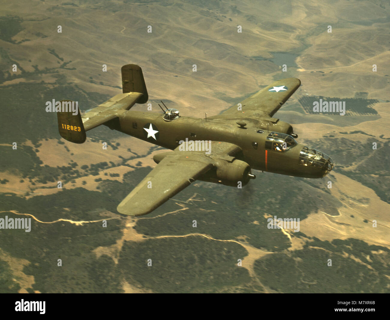 B-25 Mittlerer Bomber während des Zweiten Weltkriegs Ausbildung Flug, North American Aviation Inc., Kalifornien, Stockfoto