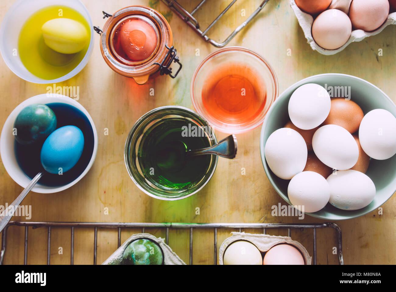 Palette Of Fresh Eggs Stockfotos & Palette Of Fresh Eggs Bilder - Alamy