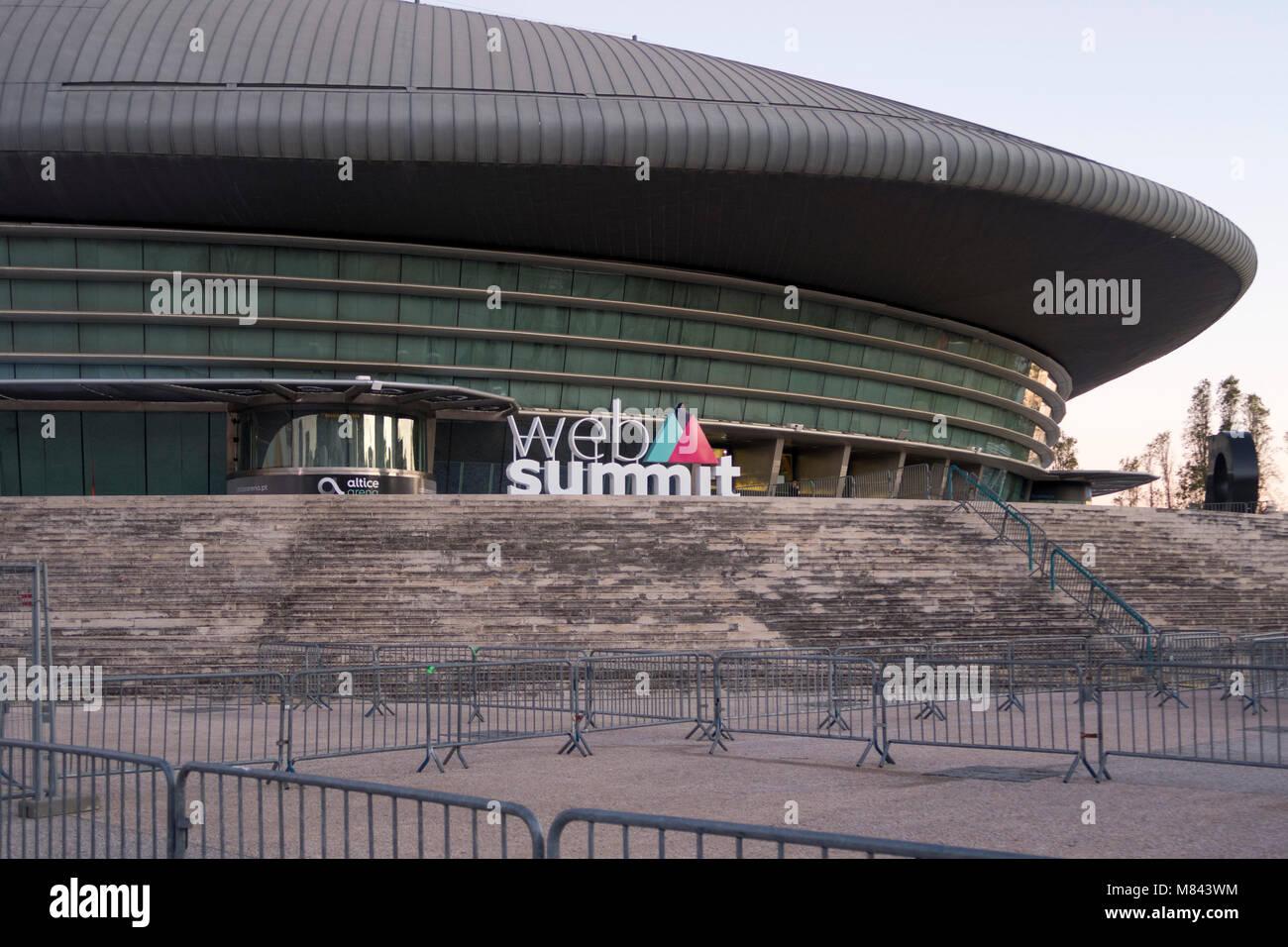Web Gipfel Logo außerhalb des Altice Arena in Lissabon, Portugal, Europa Stockbild
