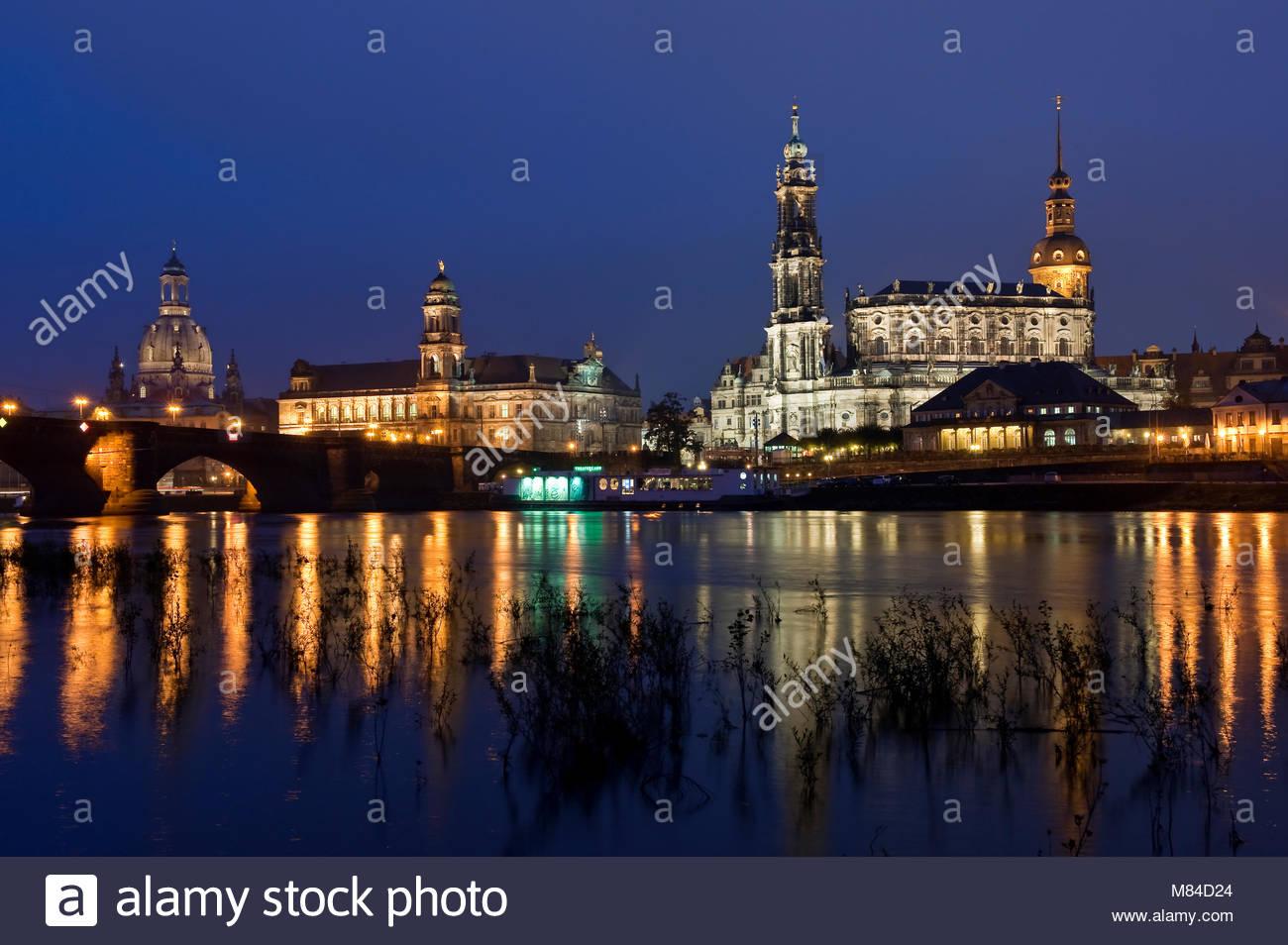 Europa, Deutschland, Dresden, Sachsen, Sachsen. Altstadt - Silhouette mit Dom, Schloss, Secundogenitur, Ständehaus, Stockbild