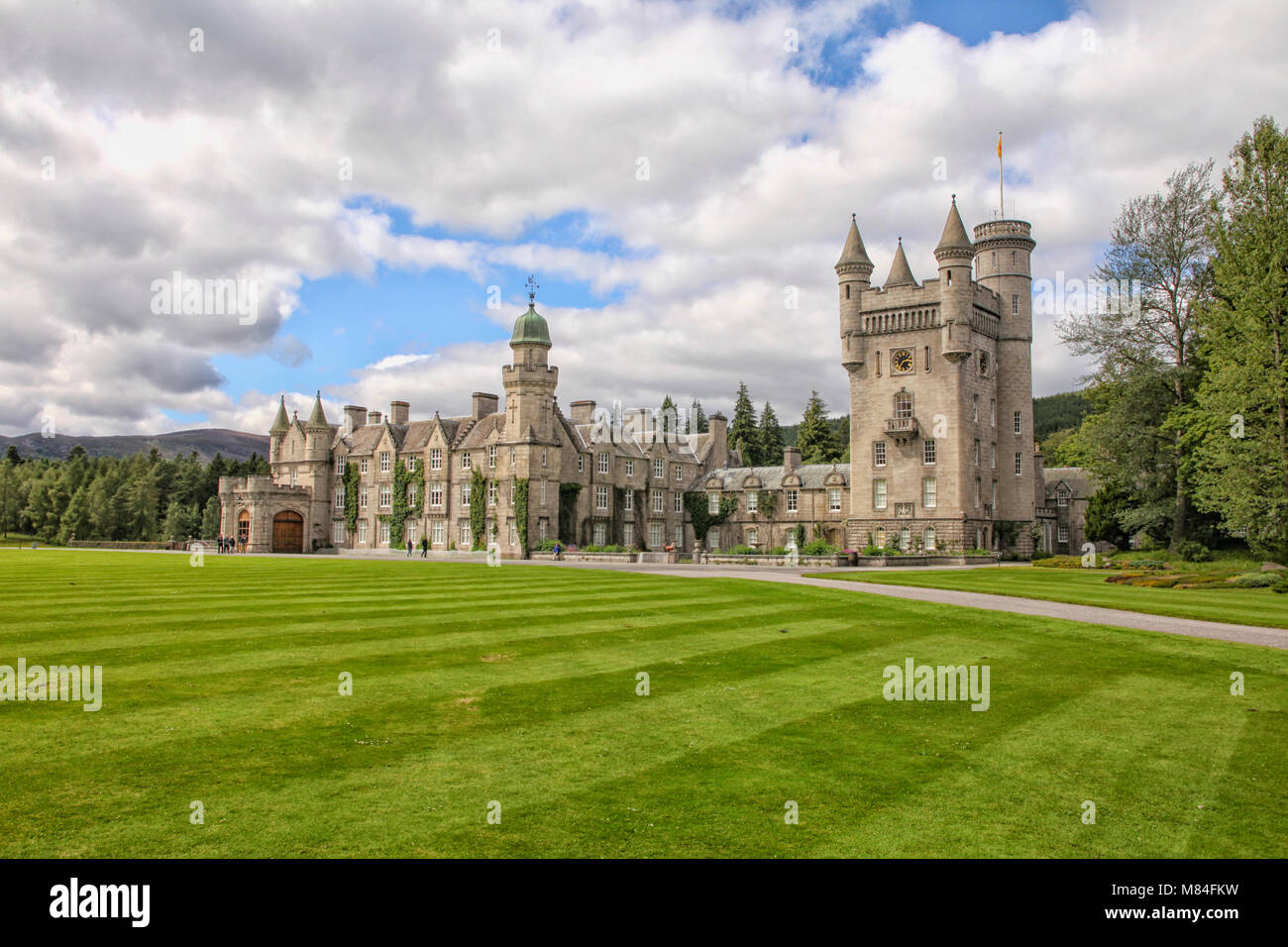 balmoral castle in schottland ferienhaus der britischen k nigsfamilie stockfoto bild. Black Bedroom Furniture Sets. Home Design Ideas