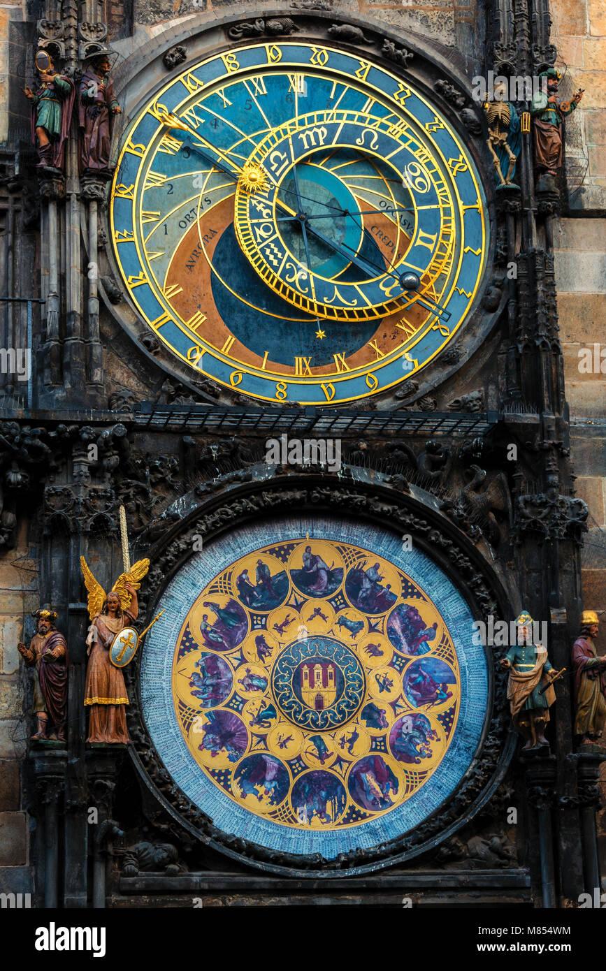 Das Altstädter Rathaus und seine astronomische Uhr Stockbild