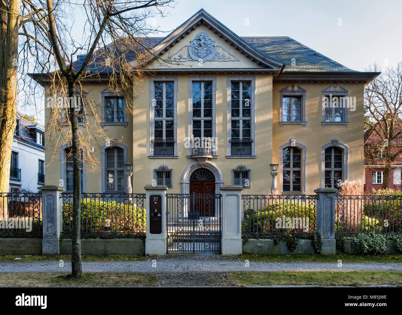 Berlin, Zehlenfdorf. Residence. Historischen, traditionellen Haus ...