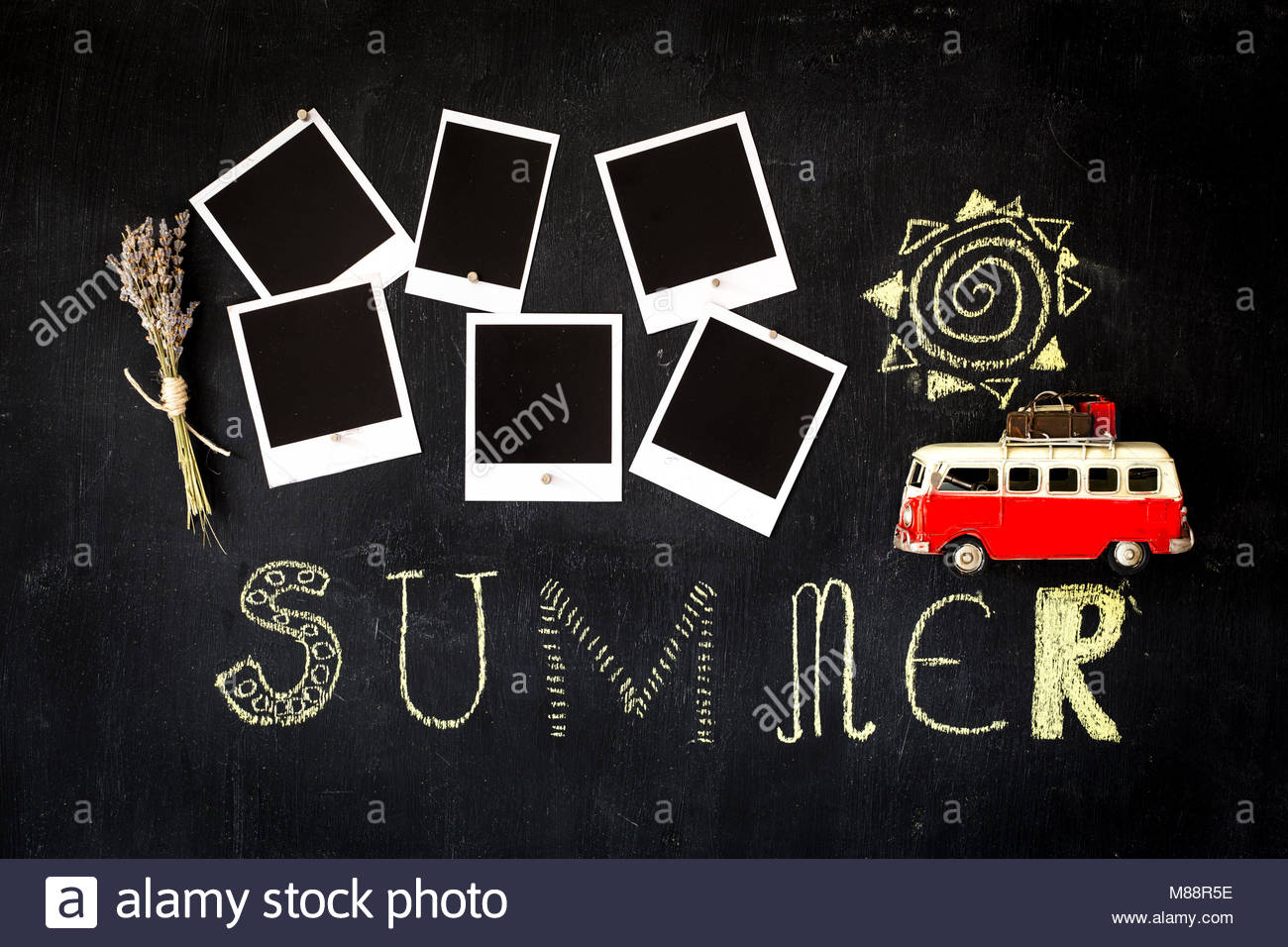 Sommer Thema Tafel mit leeren retro Bilderrahmen mit Magneten ...