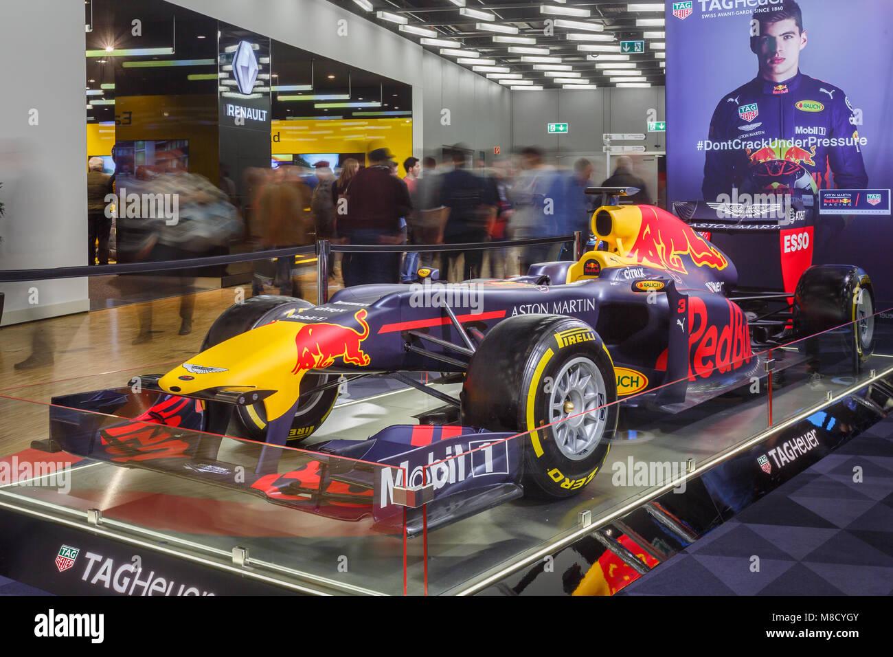 Red Bull RB6 ist eines Boliden der Formel 1, die durch das Team Red ...