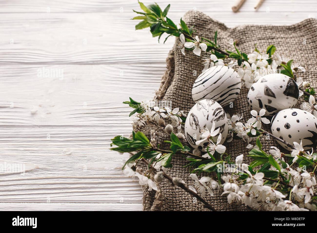 Blumen Landhausstil stilvolle bemalte ostereier schwarzen und weißen farben mit