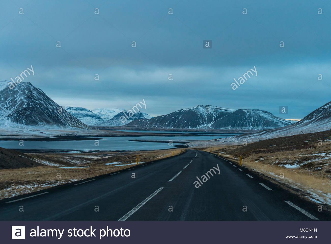Straße auf der Halbinsel Snaefellsnes, Island Stockbild