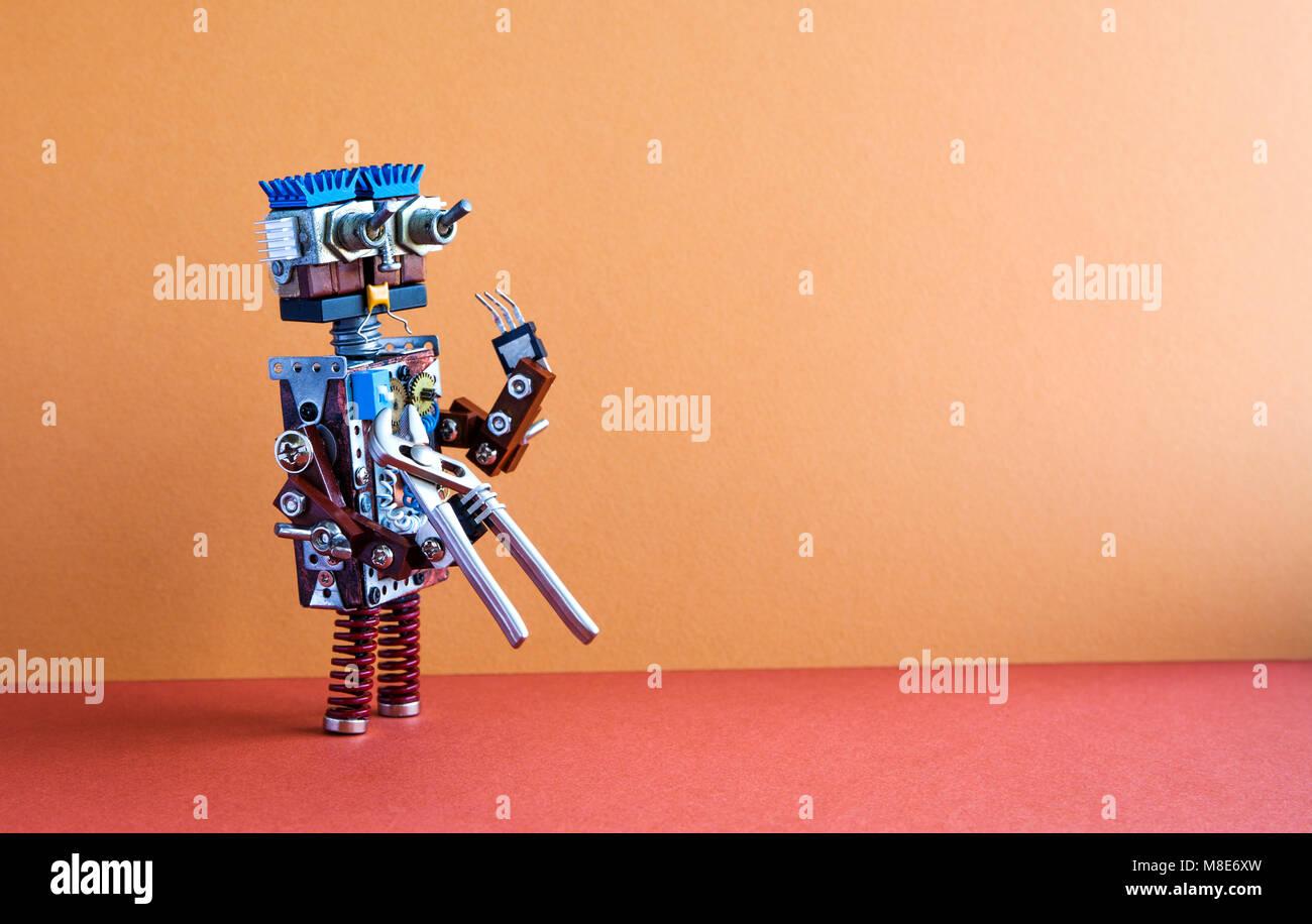 Robotic Wartung Reparatur zur Festsetzung Service Konzept. Roboter Heimwerker mit einer Zange. Braun Wand, Rot, Stockbild