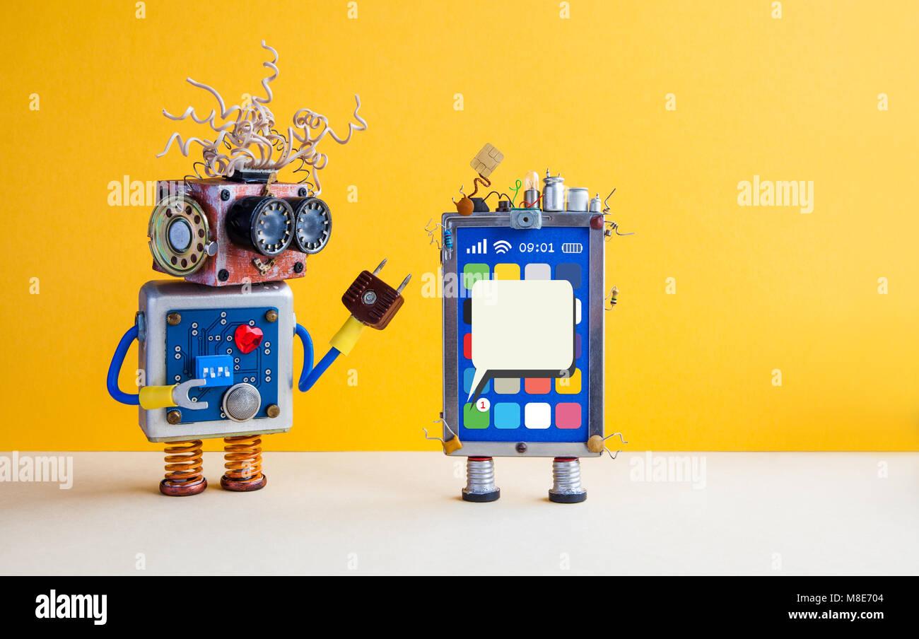 Smartphone robot Assistant. Kreatives Design Touchscreen Handy Gerät, Glühlampe Kondensatoren sim-karte, Stockbild