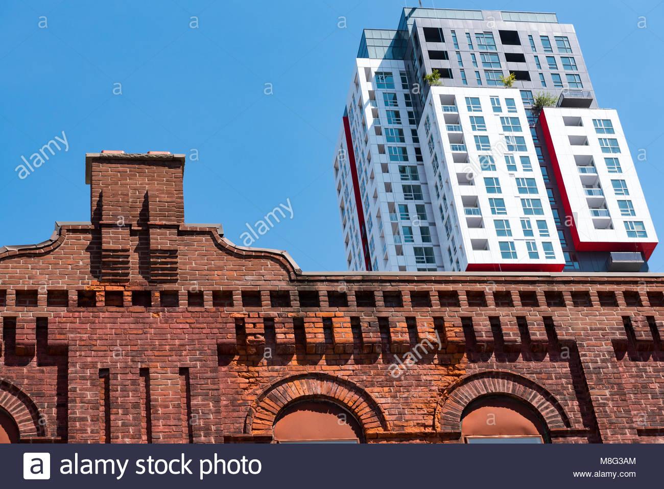 Architektur kontrast in der innenstadt von toronto alte for Moderne architektur gebaude