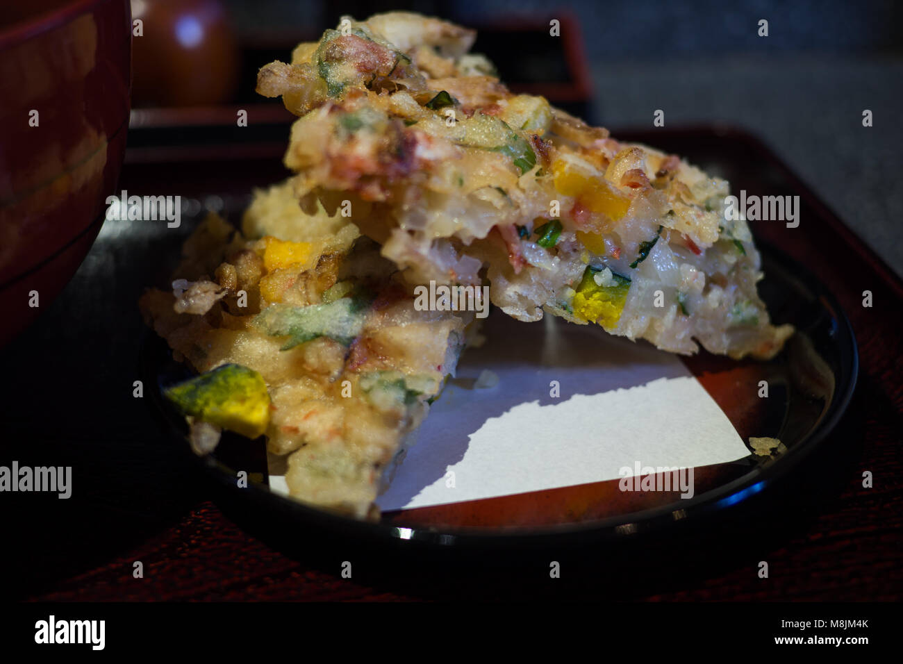 Frittierte Gemüse Pattie mit Kartoffel, Kürbis, Zwiebel und Sellerie Stockbild