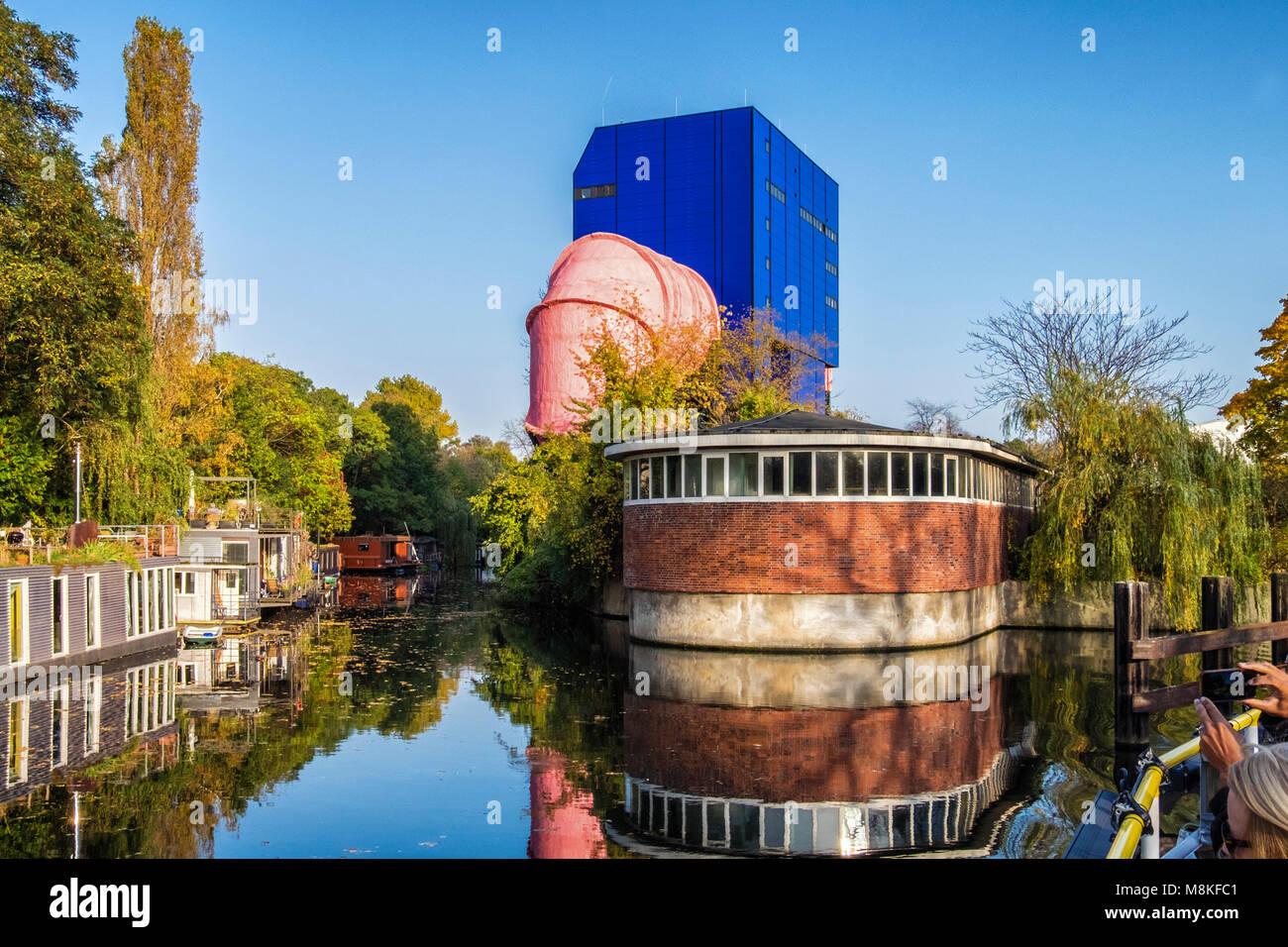 berlin landwehr canal stockfotos berlin landwehr canal. Black Bedroom Furniture Sets. Home Design Ideas