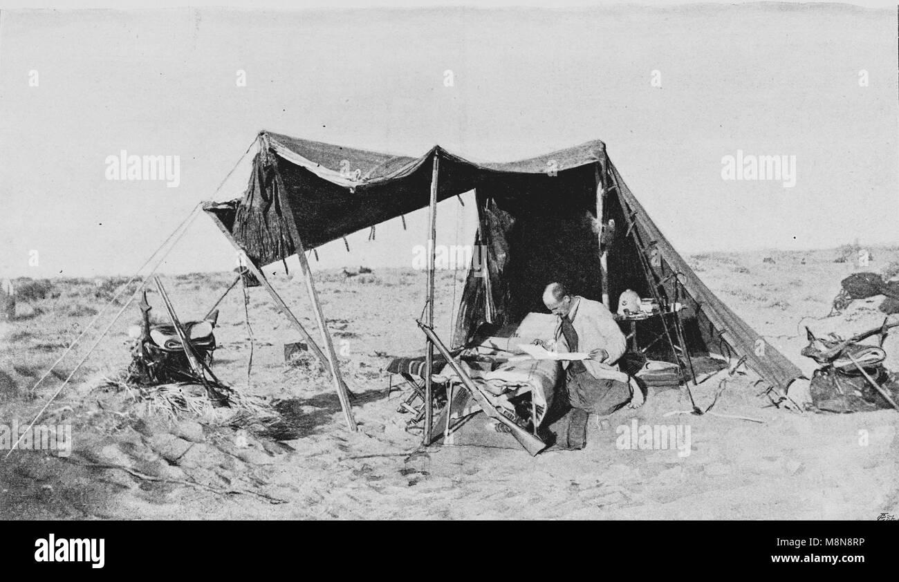 Französische Explorer Fernand Foureau während des Foureau-Lamy Expedition im Tschad im Jahr 1900 Bild Stockbild