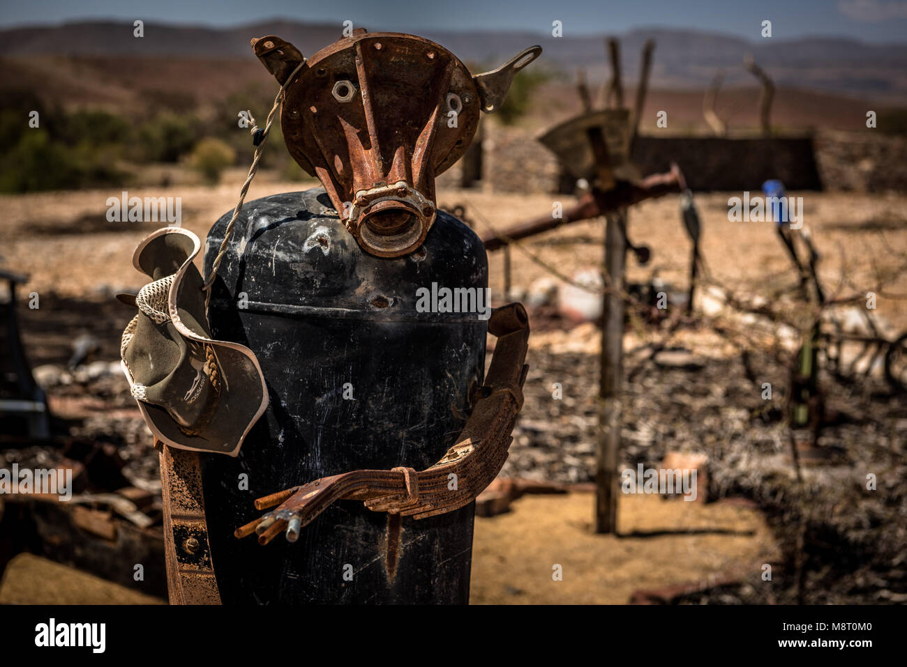 Ein Metall Skulptur Garten Am Tsauchab River Camp In Namibia