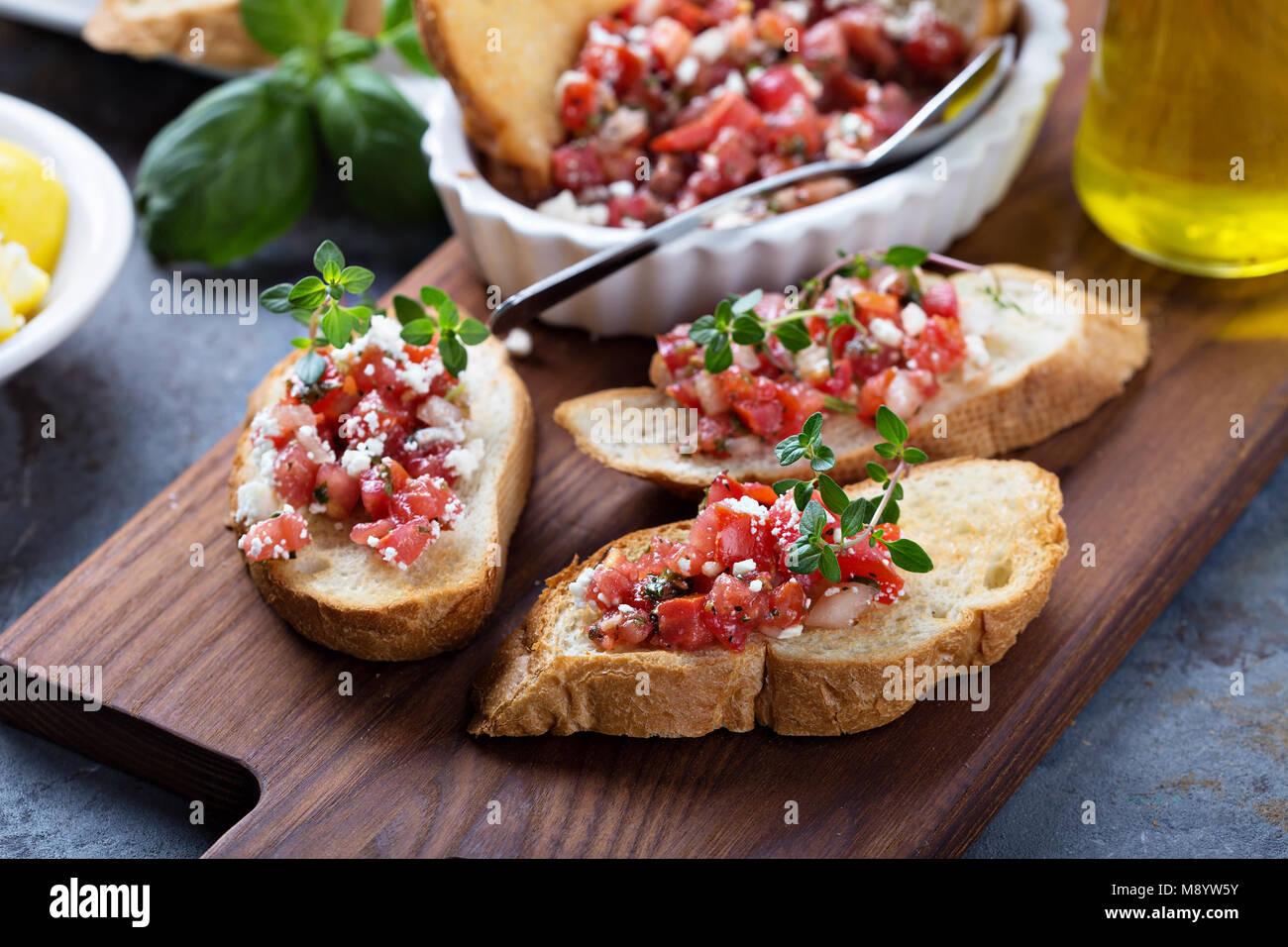 Gerösteten Tomaten Bruschetta mit Thymian Stockbild
