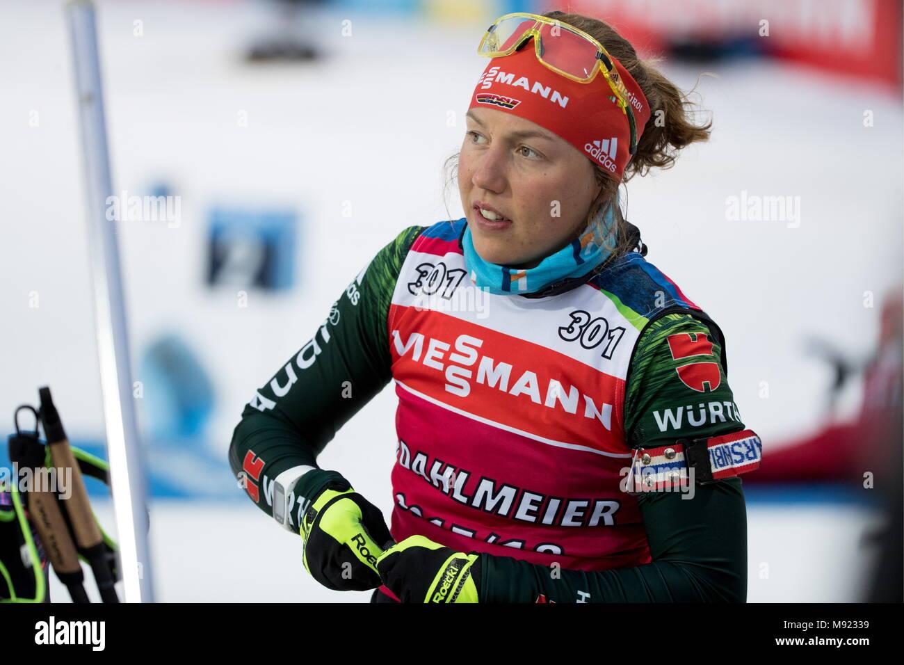 In Tjumen, Russland - 21. MÄRZ 2018: biathleten Laura Dahlmeier Deutschland Training vor der Saison 2017/2018 IBU Biathlon Weltcup treffen in Tjumen, Russland. Sergei Bobylev/TASS Stockbild