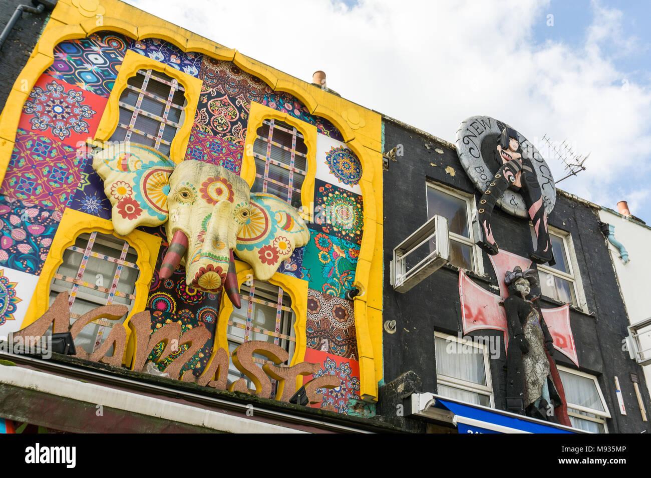 Front von einem Shop in Camdem Markt in London, Großbritannien Stockbild