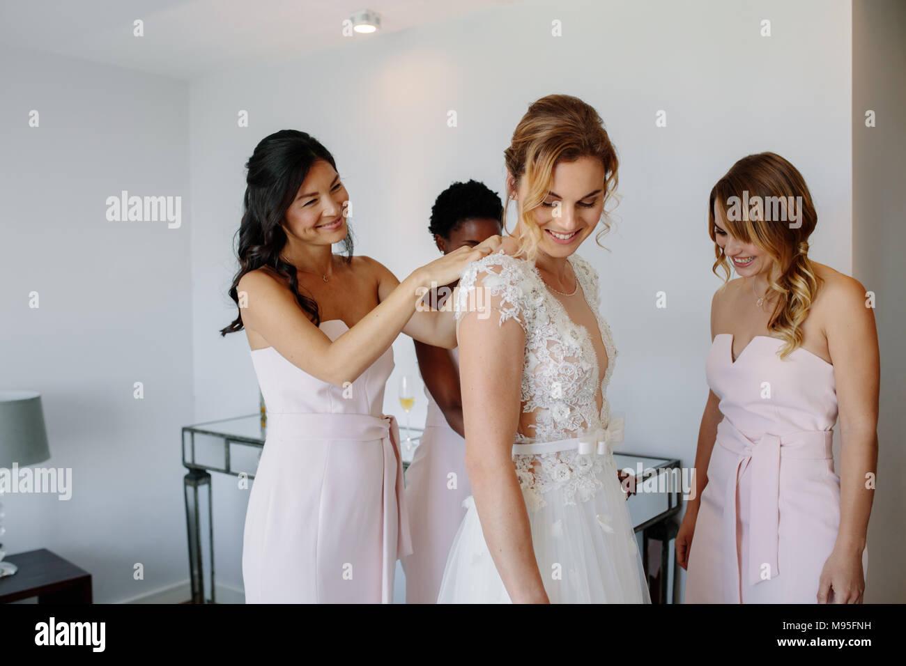 Großartig Babyklagen Für Hochzeiten Ideen - Brautkleider Ideen ...