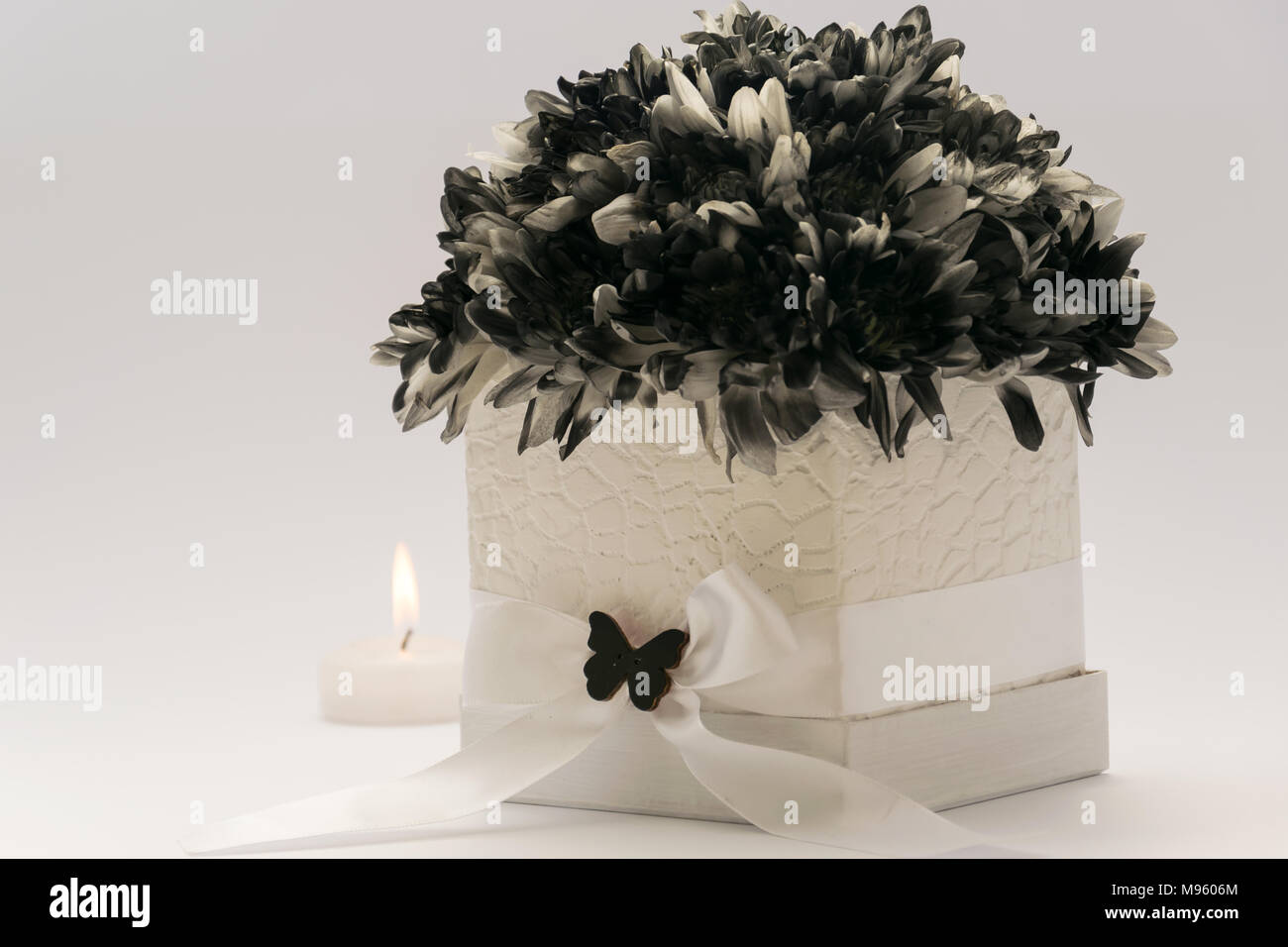 Anniversary Card With Flowers Stockfotos & Anniversary Card With ...