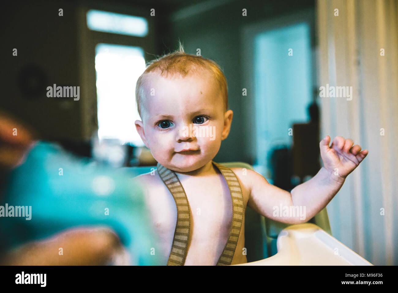 Baby gefüttert Stockbild