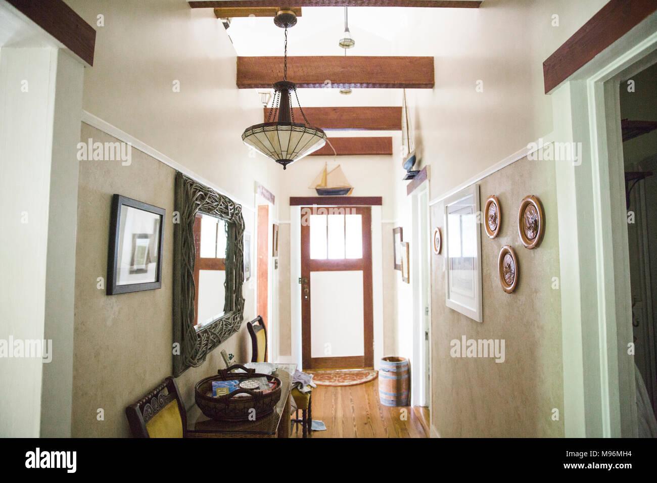 Flur/Eingangsbereich im Haus der Familie Stockbild
