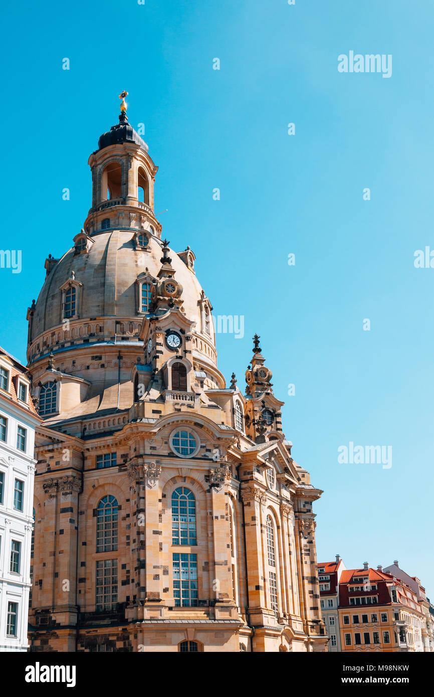 Die Frauenkirche und der europäischen Gebäuden in Dresden, Deutschland Stockbild