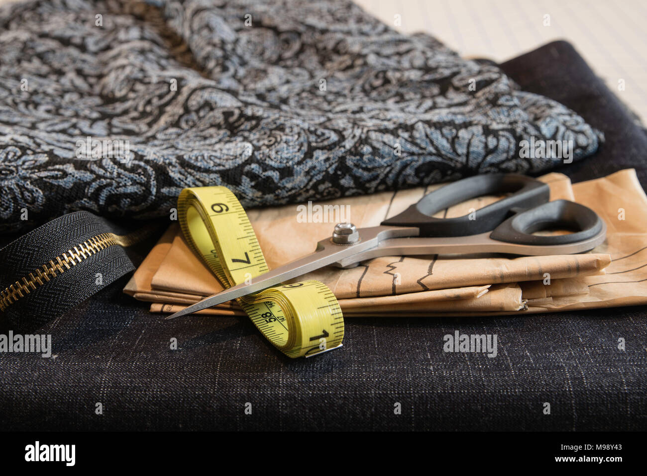 Sewing Notions Stockfotos & Sewing Notions Bilder - Alamy