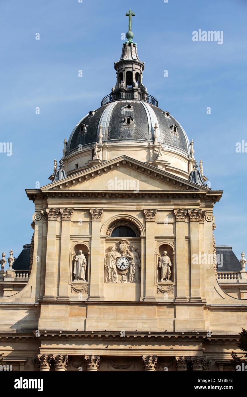 Universität Sorbonne in Paris, Frankreich. Name ist vom College de Sorbonne, gegründet von Robert de Sorbon abgeleitet - eines der ersten Colleges der mittelalterlichen Univer Stockbild