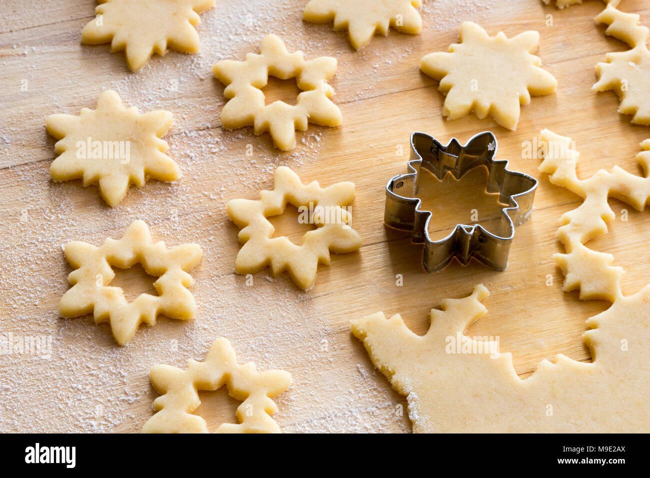 Linzer Weihnachtsplätzchen.Zubereitung Der Traditionellen Linzer Weihnachtsplätzchen