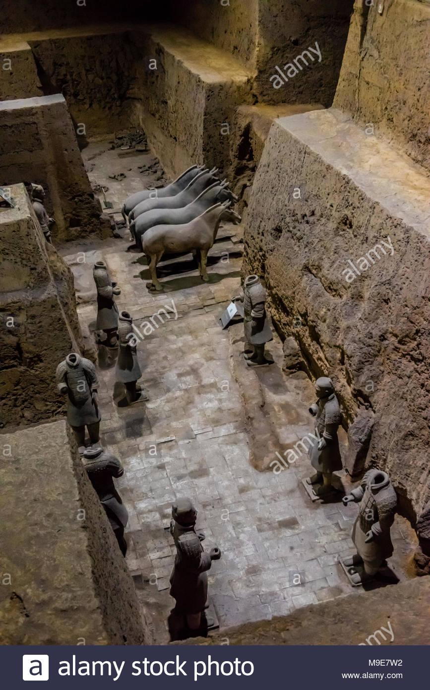 Vault 3 Baugruben, wo die Arbeit noch im Gange an der Terrakotta-armee des Kaisers Qin Shi Huang, dem ersten Kaiser von China. Die Armee war w begraben Stockbild