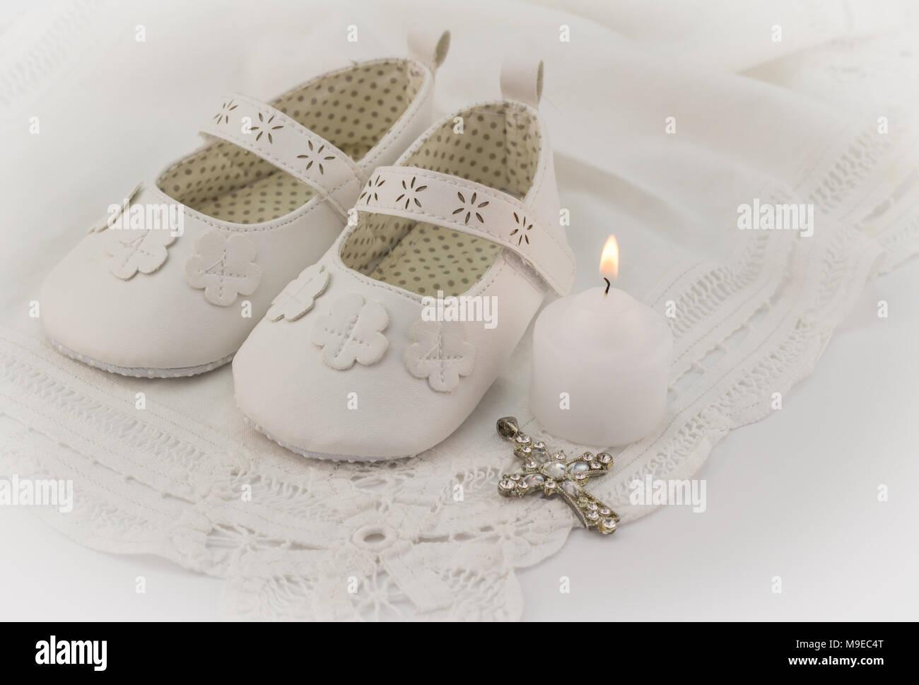 Taufe Babyschuhe Einladung Hintergrund Mit Weißer Spitze