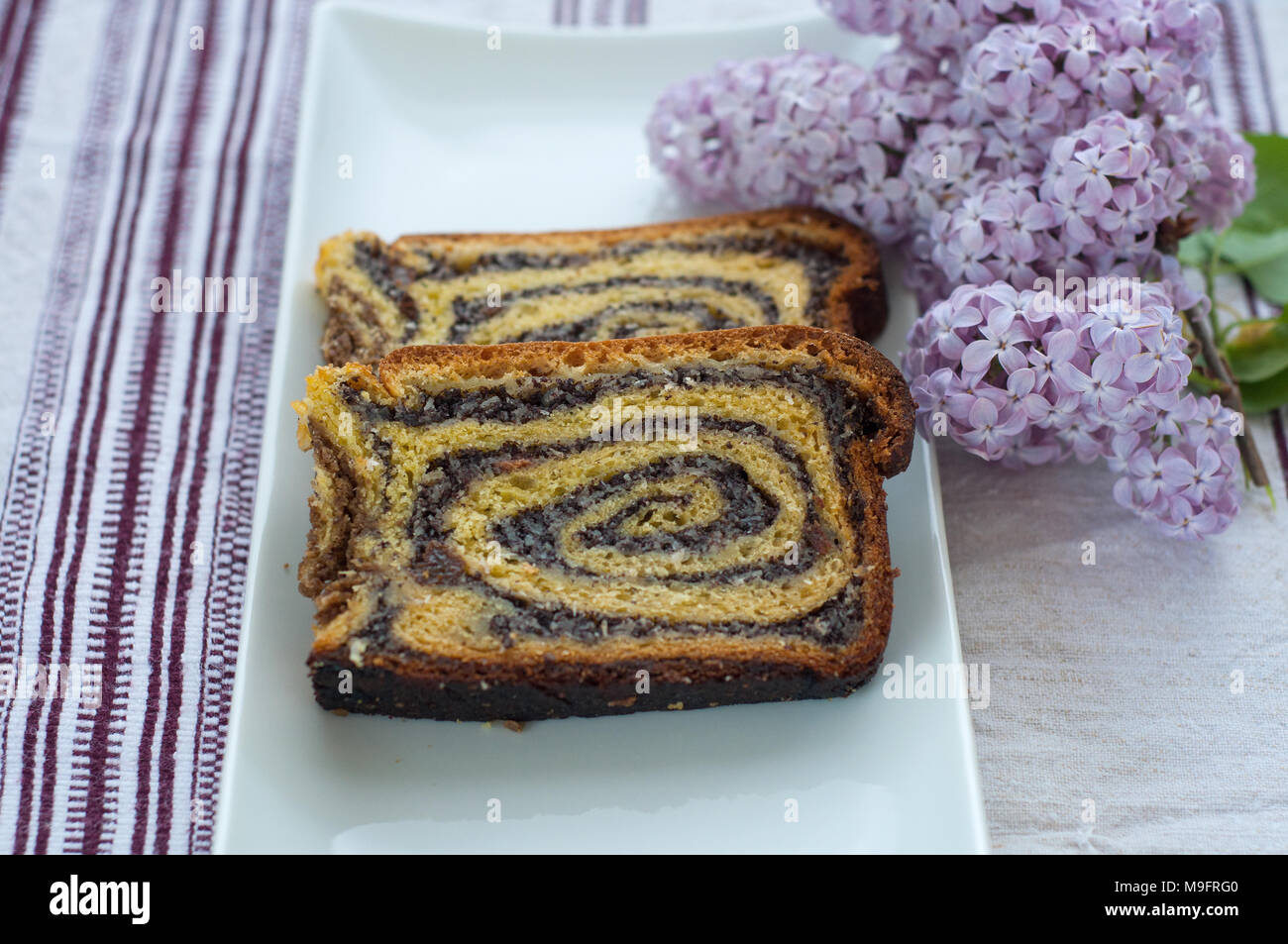 Kroatische Kuchen Gibanica Mit Mohn Stockfoto Bild 177983344 Alamy