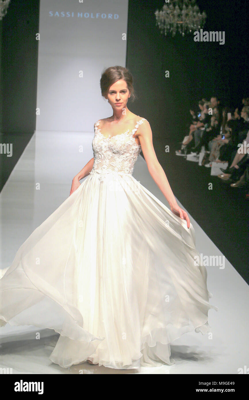 Ziemlich Sommer Brautkleider Uk Galerie - Brautkleider Ideen ...