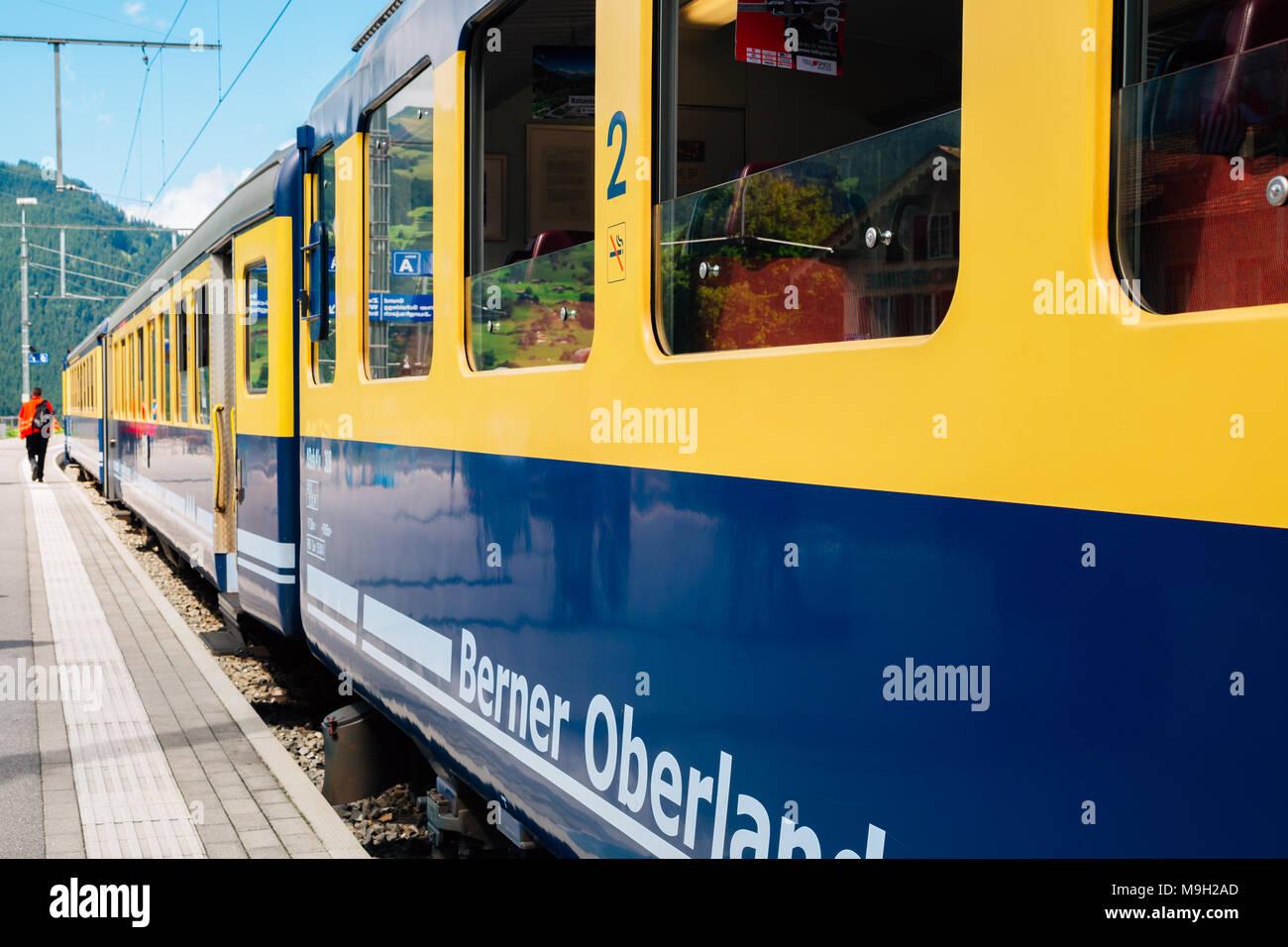 Grindelwald, Schweiz - 21 August 2016: Bahnhof Bahnhof Grindelwald Plattform Stockbild