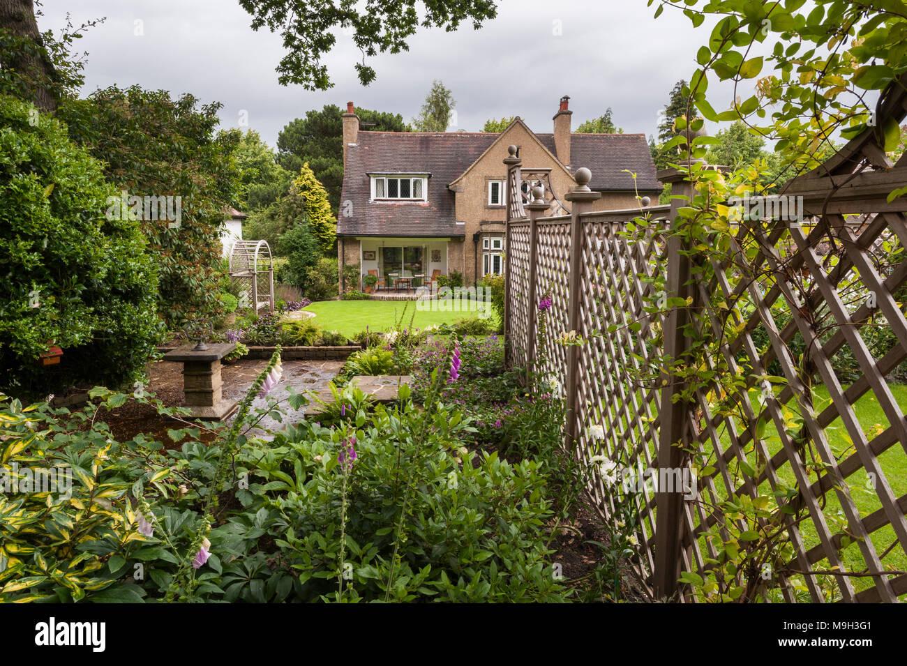 Faszinierend Schöne Terrassen Und Gartengestaltung Beste Wahl Kleine Terrasse (stein Sonnenuhr Aussortiert Durch Gitter