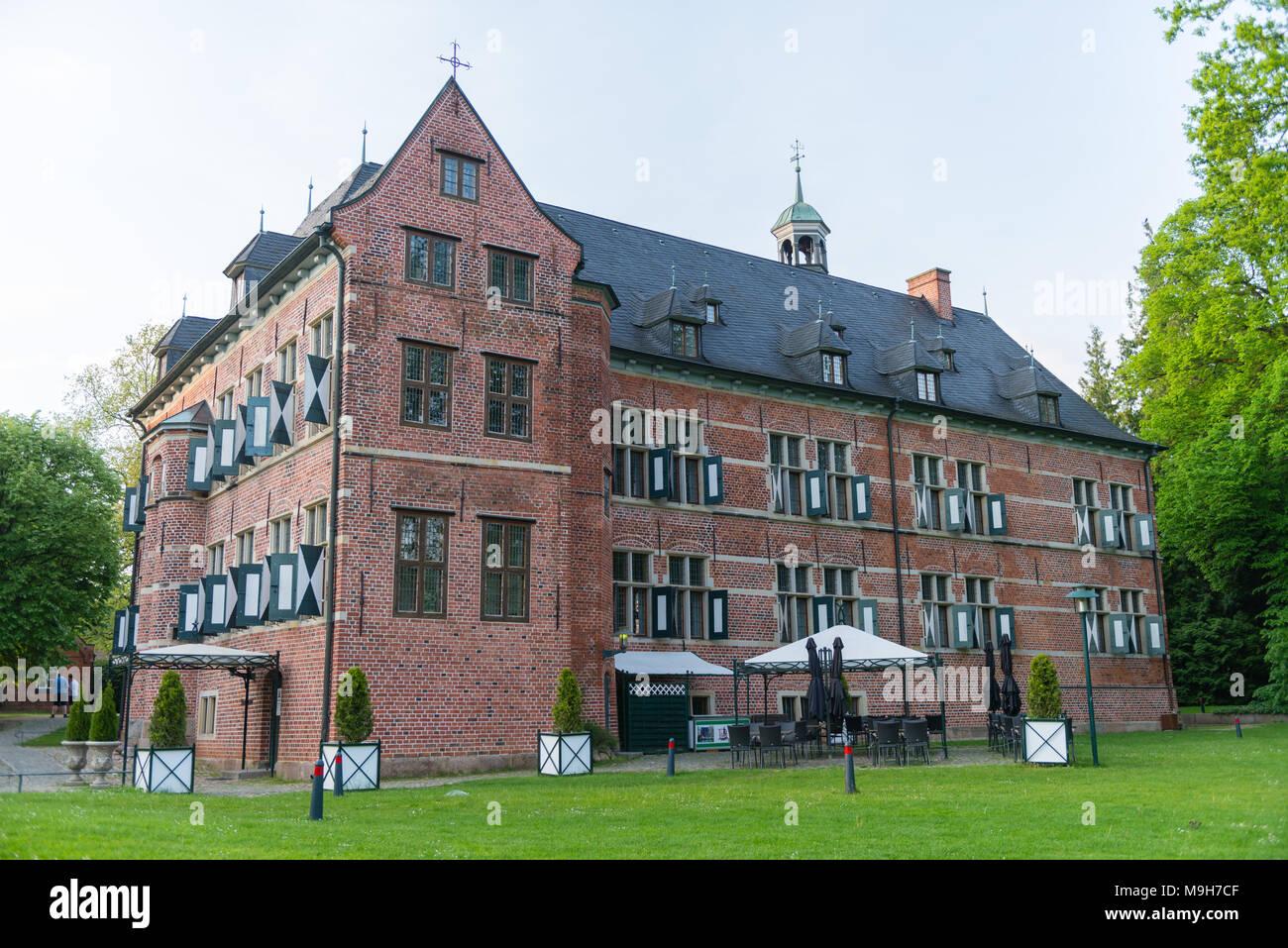 schloss reinbek erbaut 1572 76 von herzog adolf von holstein gottorf heute kulturelle. Black Bedroom Furniture Sets. Home Design Ideas