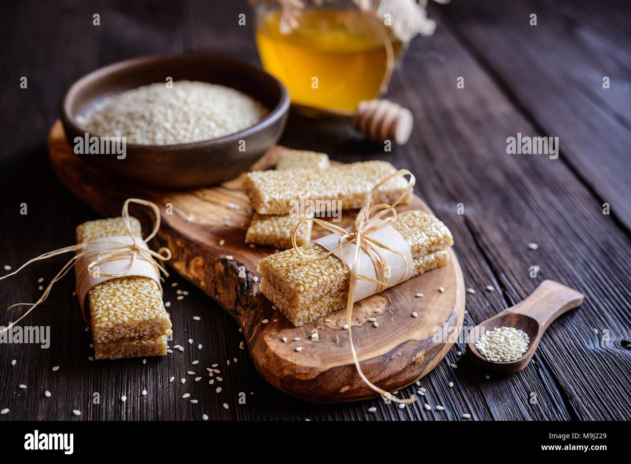Süße gesunde Sesam und Honig bars Stockbild