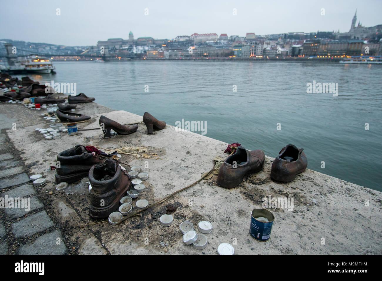 Budapest Ungarn 05 Marz 2018 Metall Skulpturen Schuhe Schuhe Am