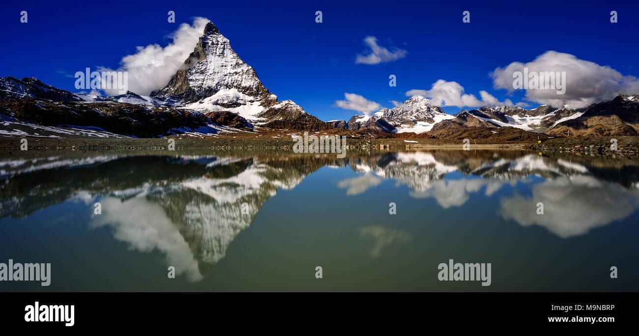 Das Matterhorn - Monte Cervino - Le Cervin Stockbild