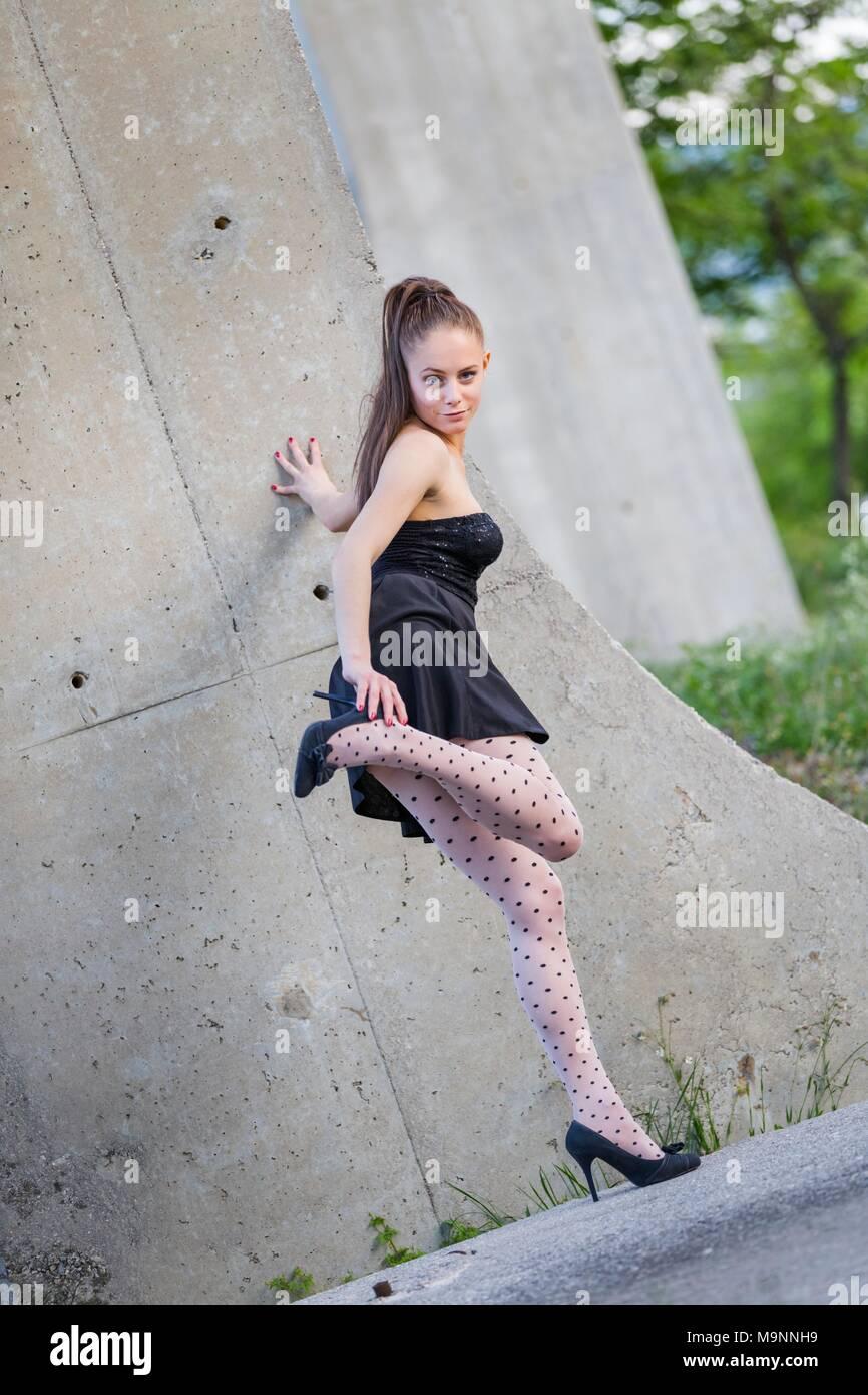 Jugendliche in Strumpfhosen Bilder