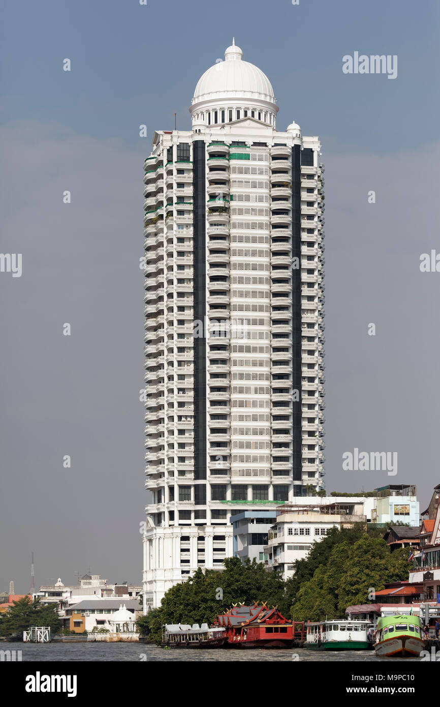 Bangkok River Park Condominium, wohnturm an der Mae Nam Chao Phraya Fluss, Samphanthawong, Bangkok, Thailand Stockbild