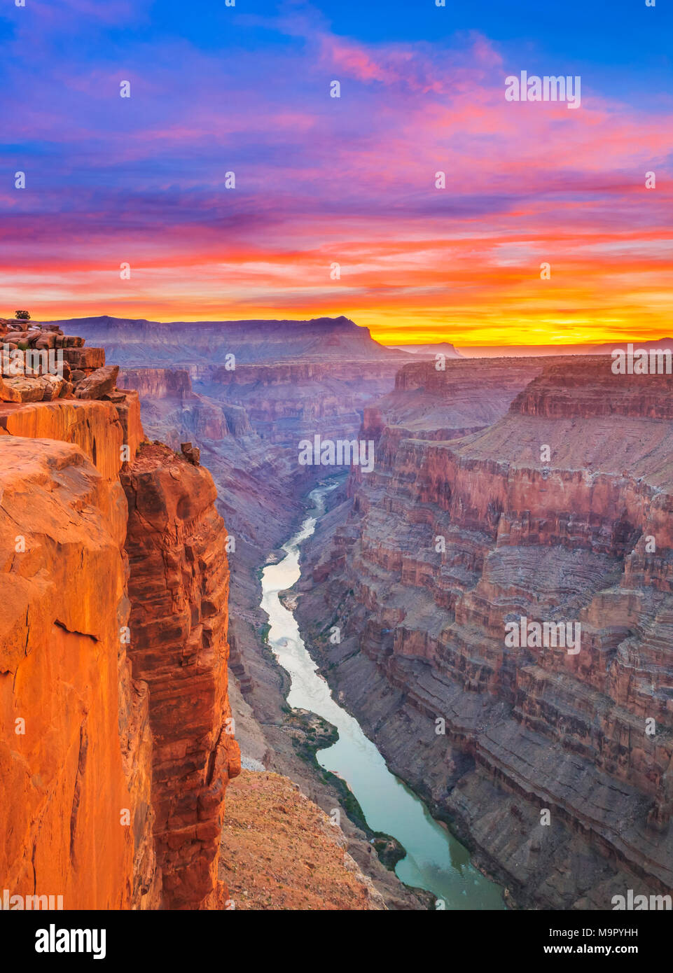 Sonnenaufgang über dem Colorado River im Toroweap Overlook im Grand Canyon National Park, arizona Stockbild