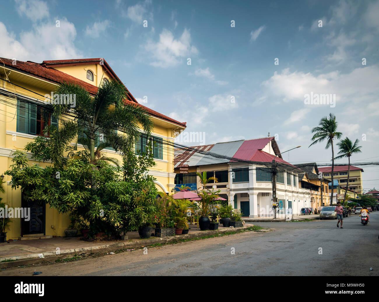 Alte französische koloniale Architektur Gebäude in kampot Straße der Innenstadt Kambodscha Stockbild