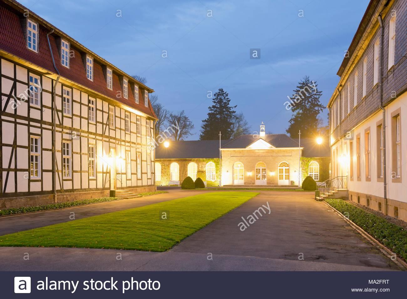 Im Eleganten Innenhof Des Graflicher Park Hotel Spa In Bad Driburg