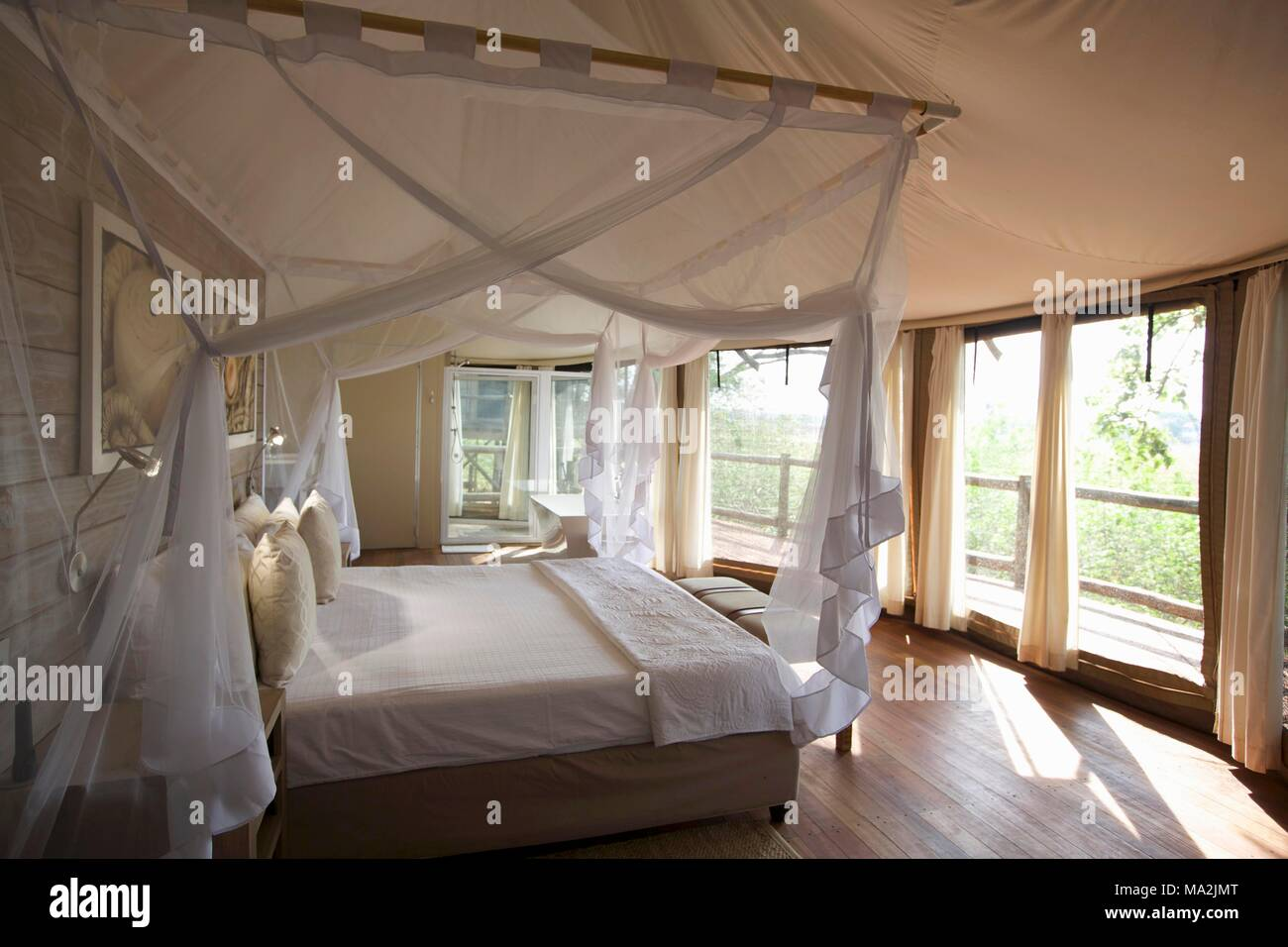 Ein Schlafzimmer In Einer Lodge, Afrika