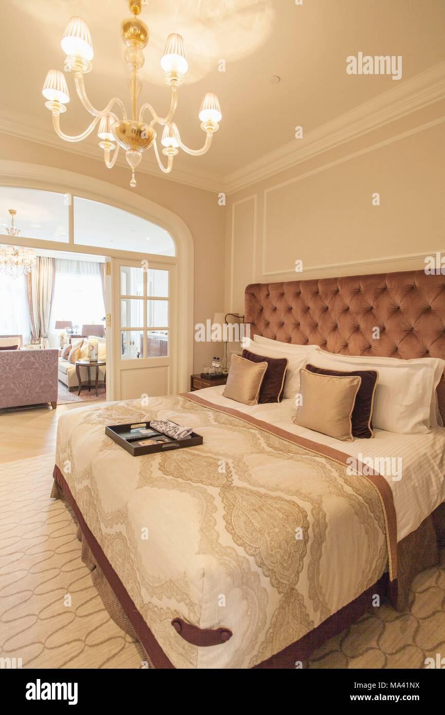 Eine Suite Im Hotel Vier Jahreszeiten Hamburg Stockfoto Bild