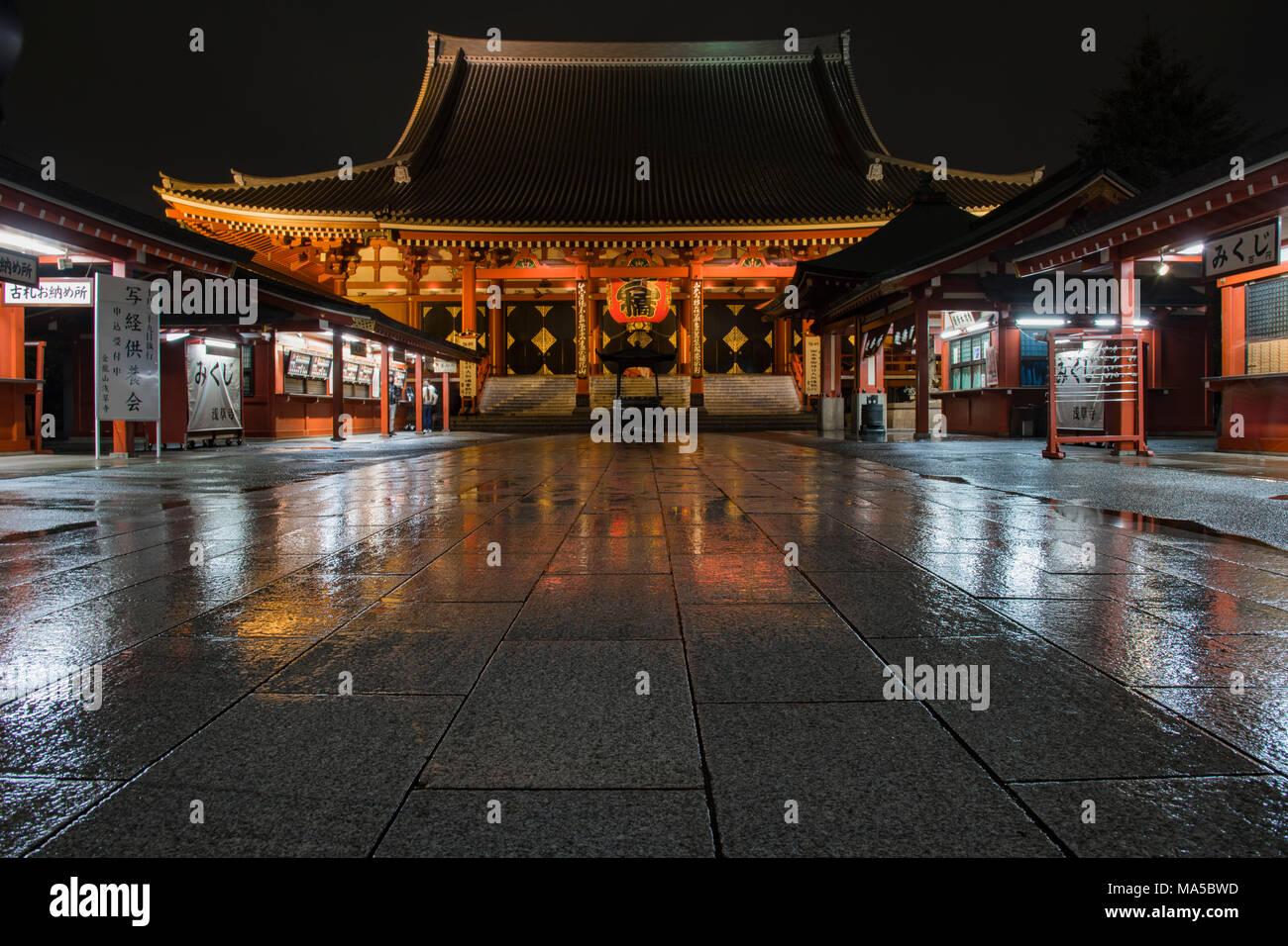 Asien, Japan, Nihon, Nippon, Tokio, Taito, Asakusa, Sens?-ji Tempel bei Nacht Stockbild